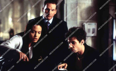 Angelina Jolie Noah Taylor Chris Barrie film Lara Croft Tomb Raider 35m-14599