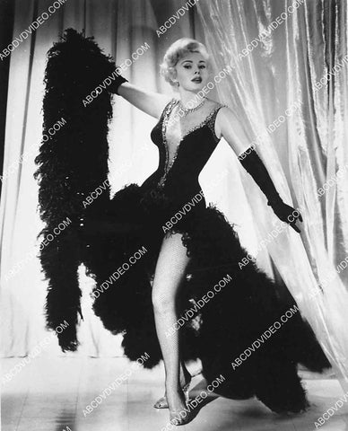 Zsa Zsa Gabor in beautiful new dress 5596-033
