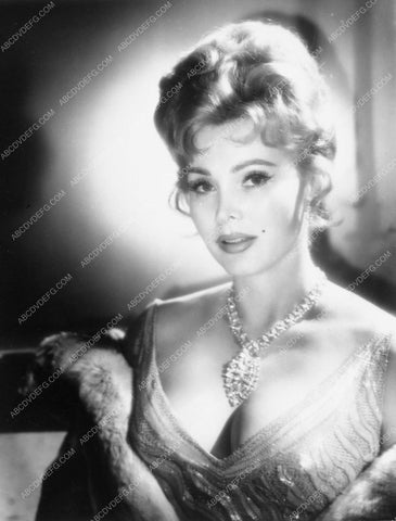 Zsa Zsa Gabor beautiful glamour portrait 6073-35