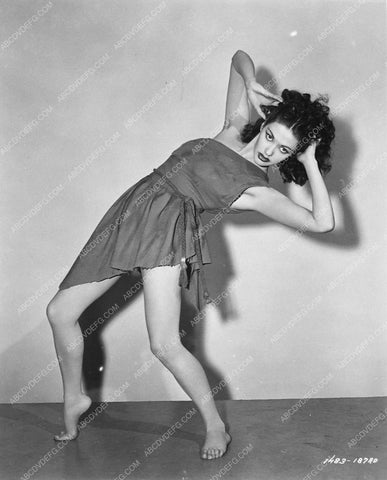 Yvonne de Carlo doing exotic dance sequence 7033-36