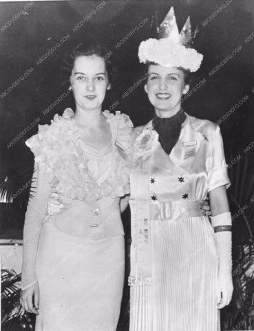 1935 Miss Missouri Edna Smith and runner up Eleanor Kinkaid 81bx01-061