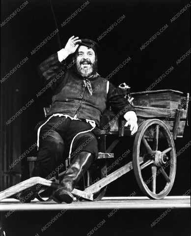 Zero Mostel in live stage play? 8b4-028