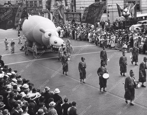 1936 historic Seattle Wash Hippo float in Shriners International Parade 8b6-806