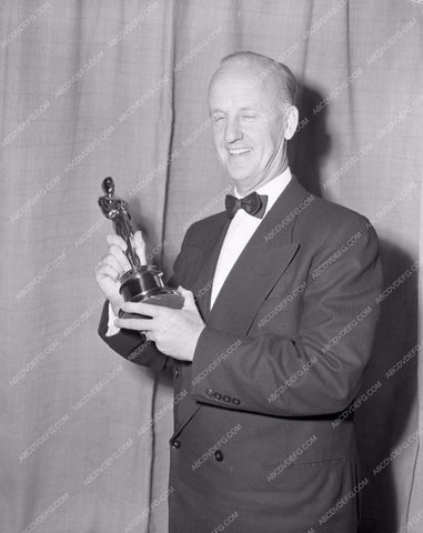 1952 Oscars please help me out Academy Awards aa1952-41</br>Los Angeles Newspaper press pit reprints from original 4x5 negatives for Academy Awards.