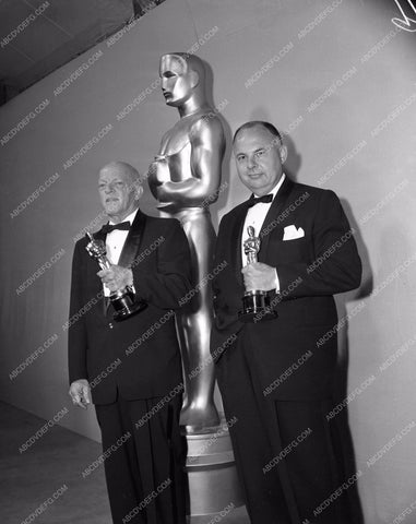 1959 Oscars technical folks and their statues Academy Awards aa1959-40</br>Los Angeles Newspaper press pit reprints from original 4x5 negatives for Academy Awards.
