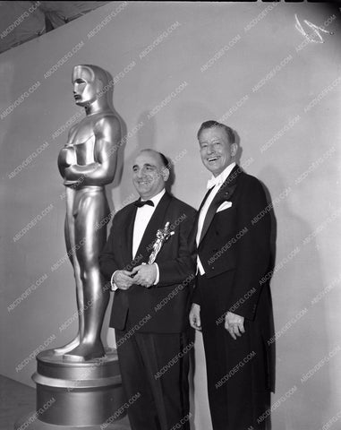 1959 Oscars technical folks and their statues Academy Awards aa1959-64</br>Los Angeles Newspaper press pit reprints from original 4x5 negatives for Academy Awards.