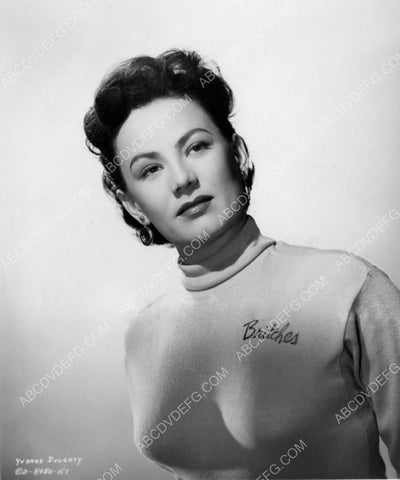 Yvonne Doughty in her Britches sweater portrait 8b20-0667