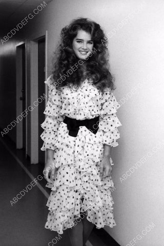 Brooke Shields in a polka dot dress 8b20-8389