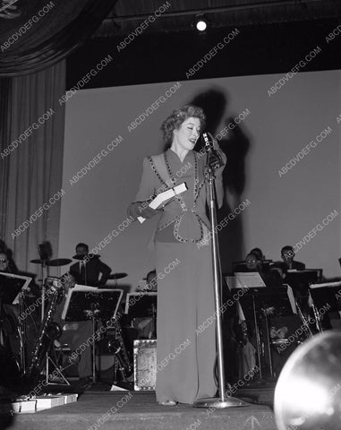 1946 Look Magazine Awards Greer Garson on stage lma1946-24