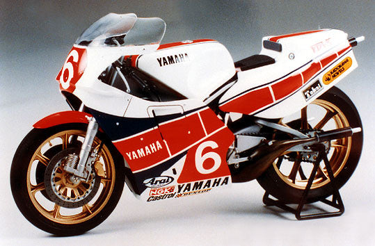 Tamiya Model Cars 1/12 Yamaha YZR500 (OW70) Taira Version Motorcycle Kit