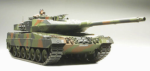 Tamiya Military 1/35 Leopard 2A6 MBT Kit