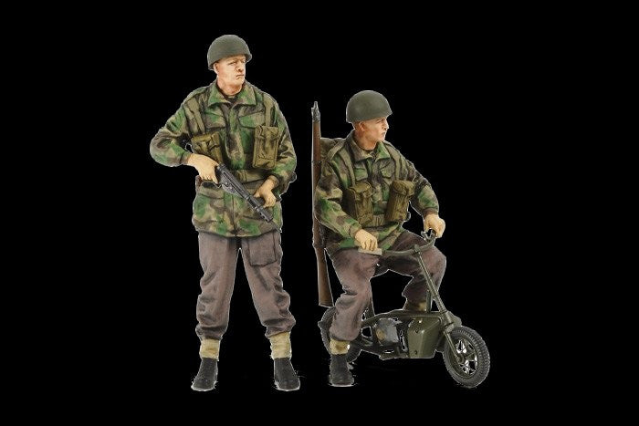 Tamiya Military 1/35 British Paratroopers (4 Figures) w/2 Small Motorcycles Kit