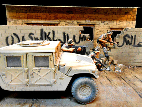 Dioramas Plus 1/35 Baghdad Breakdown Iraqi Street Scene Ruined Building Front w/Base Kit