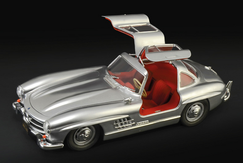 Italeri Model Cars 1/16 Mercedes Benz 300SL Gullwing Car Kit