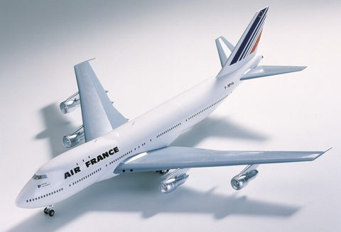 Heller Aircraft 1/125 B747 Air France Commercial Airliner Kit