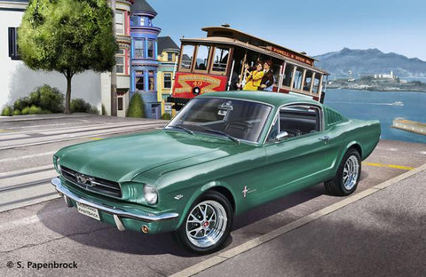 Revell Germany Cars 1/24 1965 Ford Mustang 2+2 Fastback Car Kit