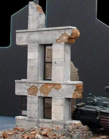 Dioramas Plus 1/35 Ruined Small Concrete/Brick Building Kit
