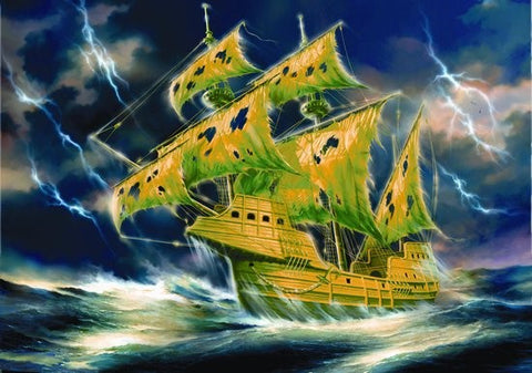 Zvezda Ships 1/100 Flying Dutchman Ghost Ship Glow-in-the-Dark Kit