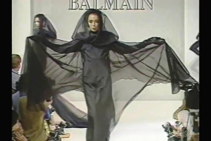 80s Goth On the Pierre Balmain 1986 Catwalk