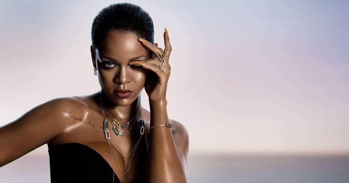 WHAT IS RIHANNA'S REAL EYE COLOR? DOES SHE WEAR COLOR LENSES? WE ...