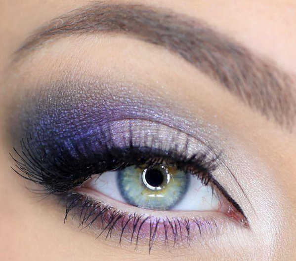 Pop the Beauty of your Natural Eye Color with the Right Eye