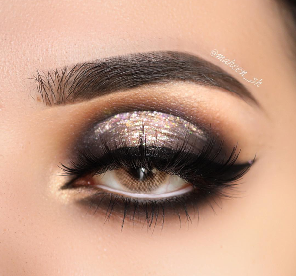 christmas looks and makeup eye contact lenses