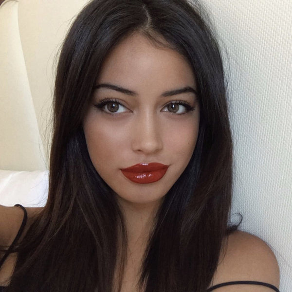 Cindy Kimberly Aka Wolfiecindy Wearing Color Contact