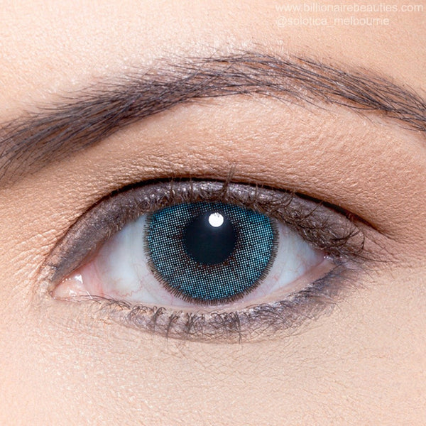 billionairebeauties-melbourne-australia-natural-azul-contact-lens-coloured-eyes-blue-limbal-ring