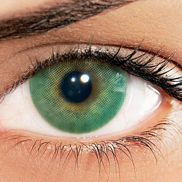 billionairebeauties-solotica-australia-melbourne-hidrocor-esmeralda-green-emerald-coloured-contact-lens-lenses-eyes