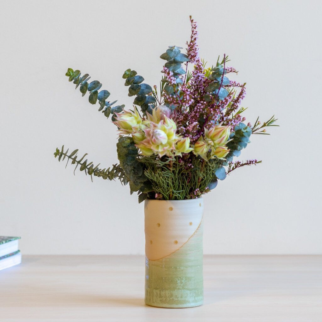 Urban eden - green spotted vase