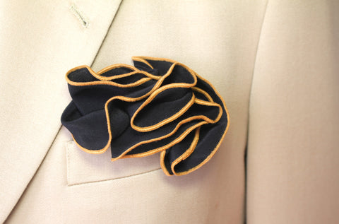 Black & Gold Pocket Round