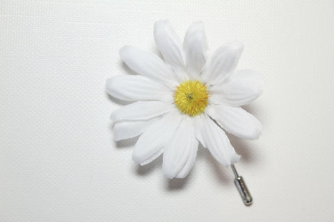 White Daisy Lapel Stick Pin