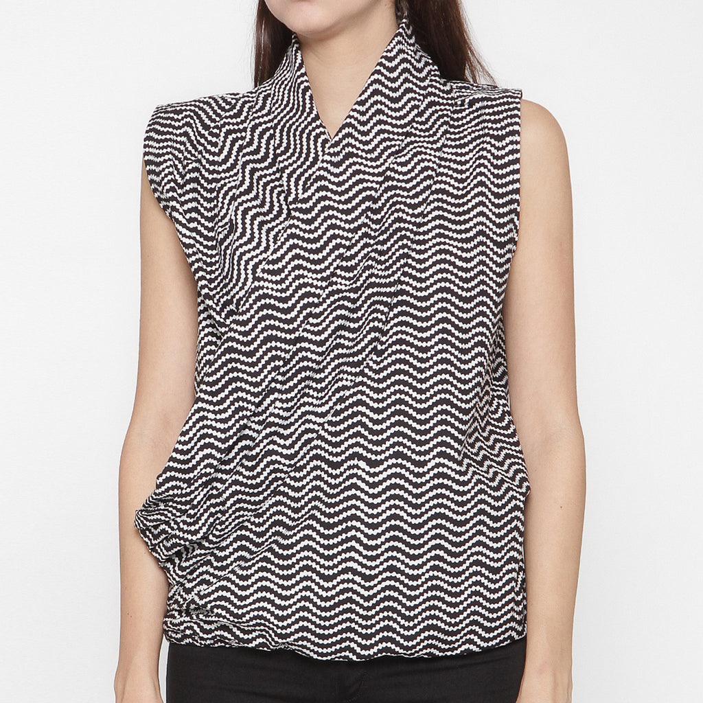 Women Sleeveless Overlap Blouse  : Manggaran