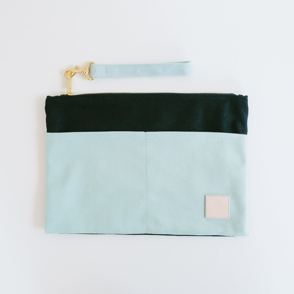 Basic Traveller Clutch - Mint & Black