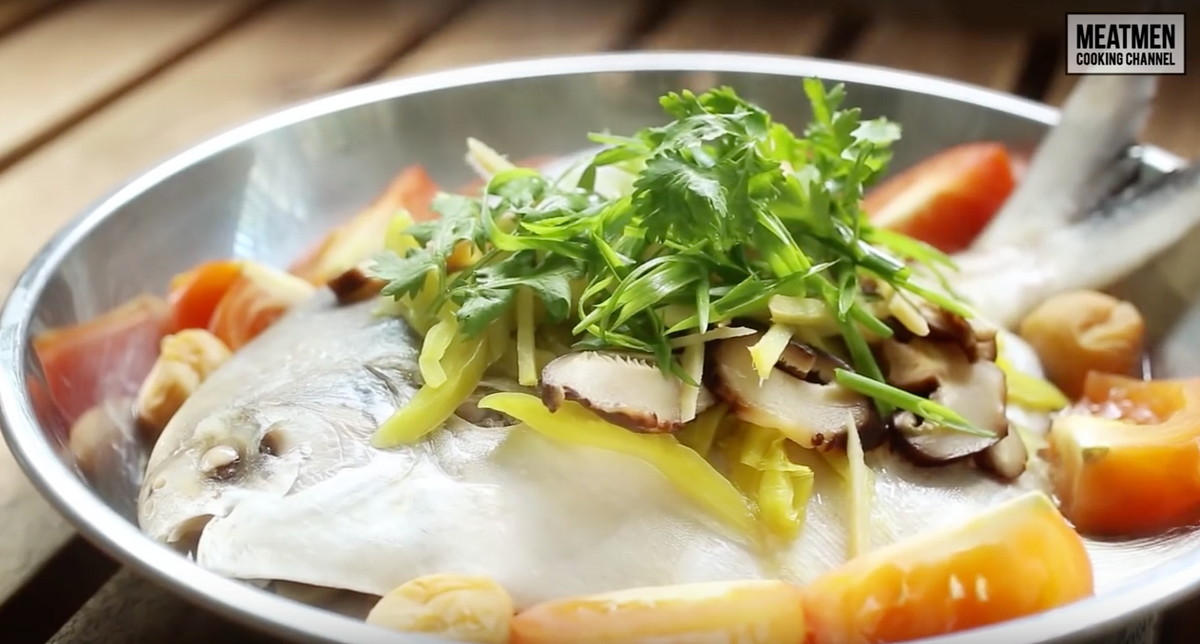 Teochew Steamed White Pomfret – 潮州式蒸白鲳