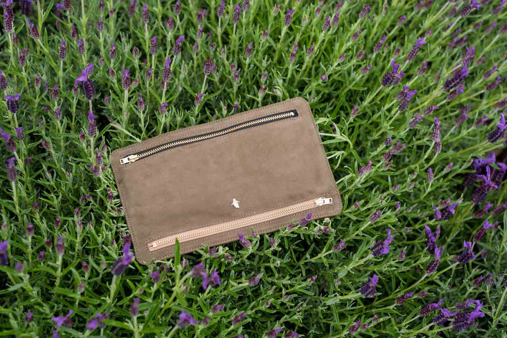 Currency Wallet - Olive Lamb