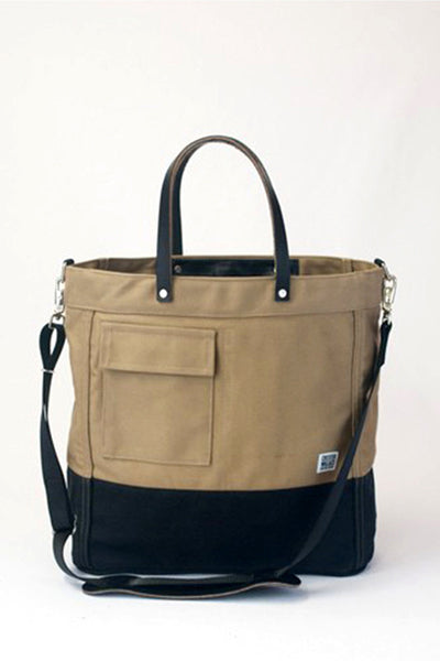 ChesterWallace The Driver Tote / Tan with Black