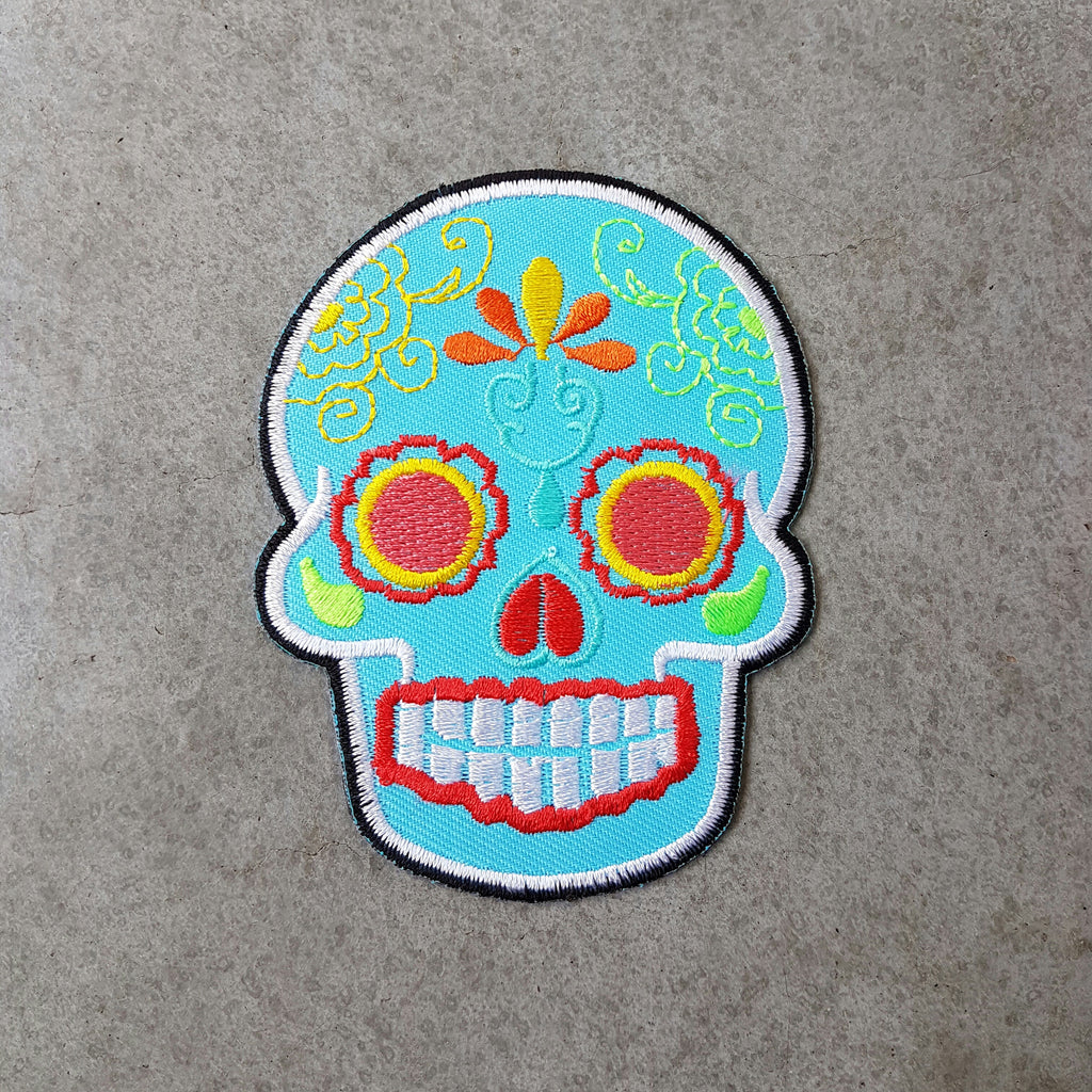 "Patch ""Sugar skull"" lichtblauw"