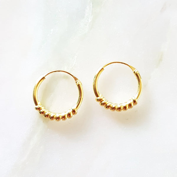 18kt gold plated oorringetje met fantasie 12mm