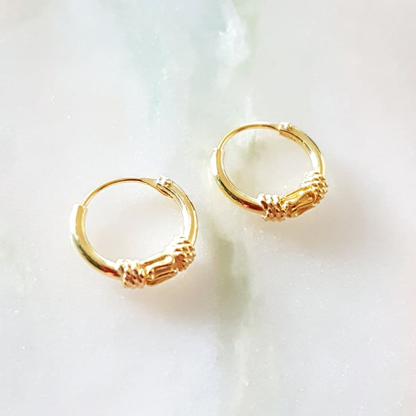 18kt gold plated oorringetje met fantasie 10mm