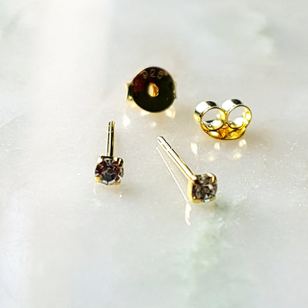"Oorstekers ""diamant"" goldplated / 2,5mm"