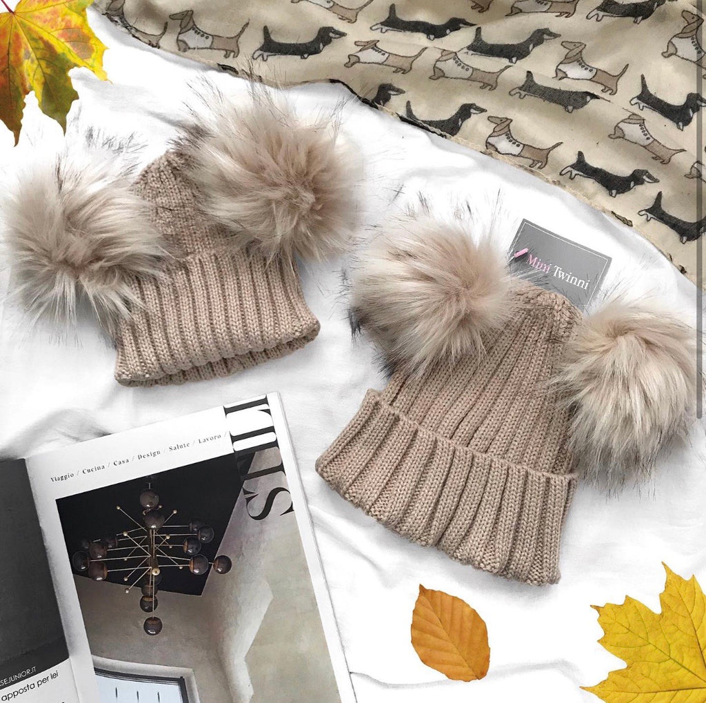 Beige bobble hat (double)- CHILD