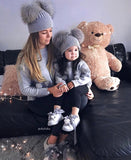 Grey double bobble hat (UNISEX) - CHILD