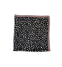 Load image into Gallery viewer, ANIMAL PRINT SCARF BLACK