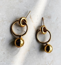 Load image into Gallery viewer, LAYLA GOLD EARRINGS
