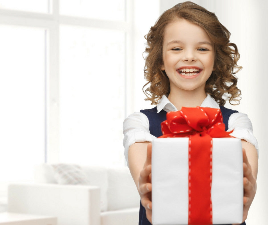 Birthday gifts during a child's party: When to open them?