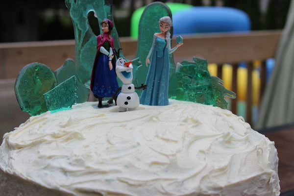 Frozen characters for cake