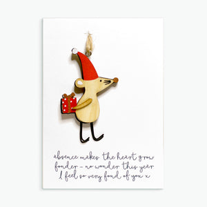 WOODEN MOUSE DECORATION CARD - THE HEART GROWS FONDER