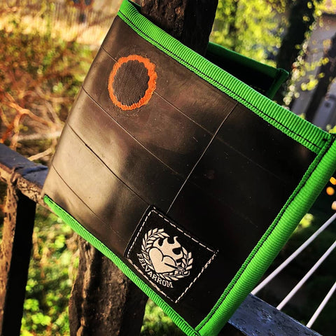Green bicycle tube wallet from biketube by Felvarrom