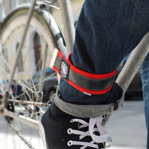 Handsewn inner tube trousers strap – red by Felvarrom bicycle upcyclery - 1